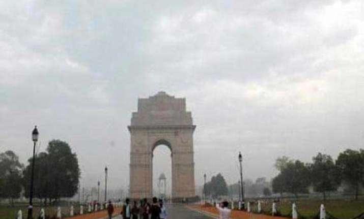 rains cool delhi cloudy day ahead