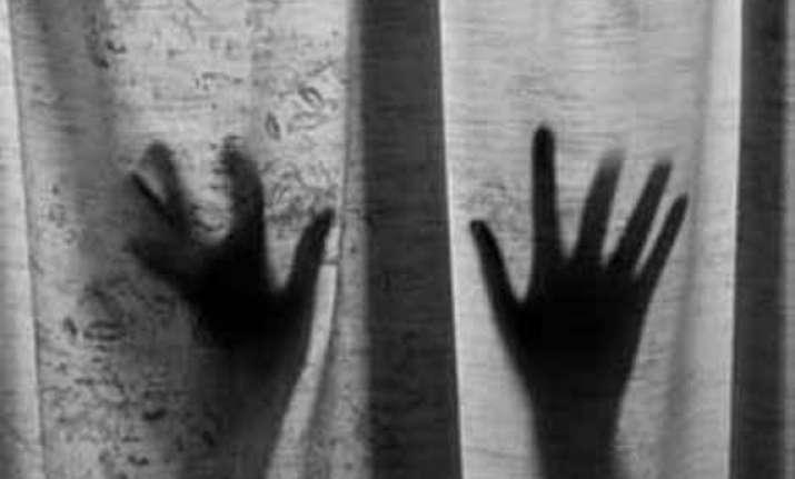rape victim attempts suicide in delhi