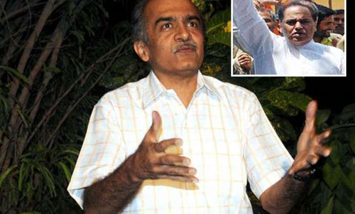register case against bhushan for comment on kashmir sena
