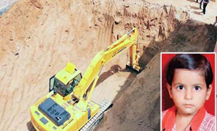 mahi s fate uncertain as rescuers struggle to remove rocks