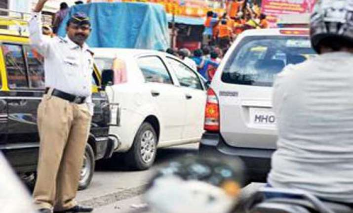 revealed 40 percent thane traffic cops suffer from hearing