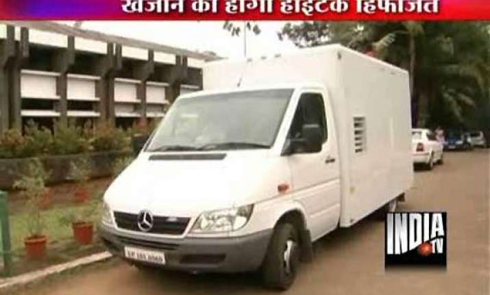 rs 11 cr worth security van arrives to guard rs 1 lakh cr
