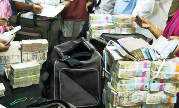 rs 70 crore cash seized from coal contractor in jharia