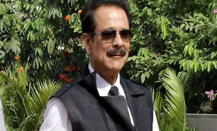 sc issues non bailable warrant for sahara owner subrata roy