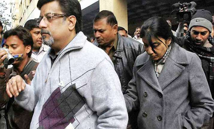 sc notice to cbi on talwars transfer plea in aarushi case