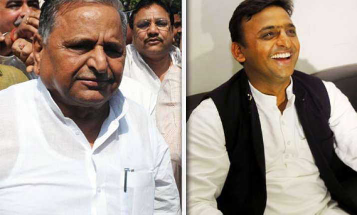 sp to decide between mulayam and akhilesh on saturday