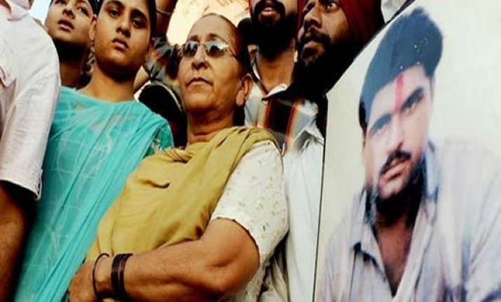 sarabjit s sister again appeals for his release