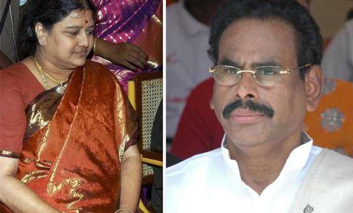 sasikala s husband arrested