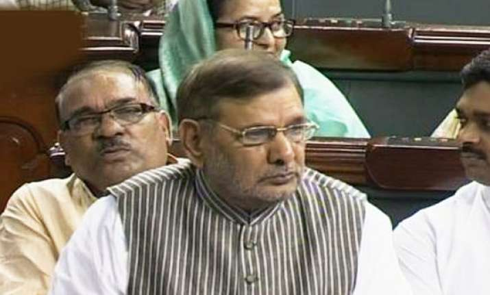 sharad yadav moves censure motion against team anna in ls