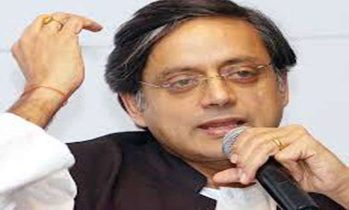 shashi tharoor hopeful of good showing by congress in tamil
