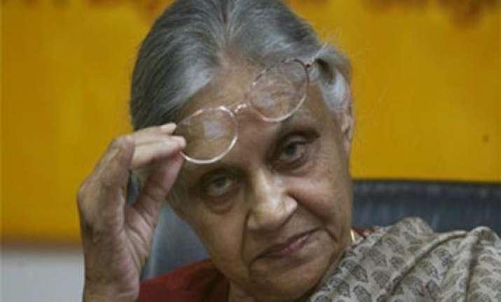sheila dikshit why doesn t kejriwal oppose power tariff