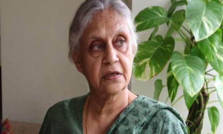 sheila dikshit condoles death of gang rape victim