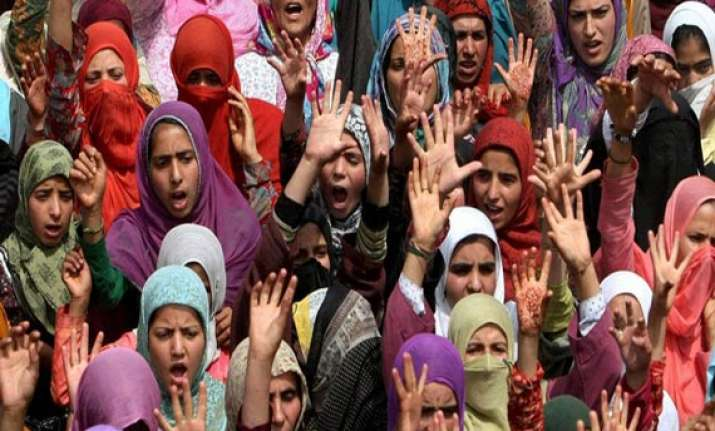shias in bangalore protest attack on shrine of prophet s