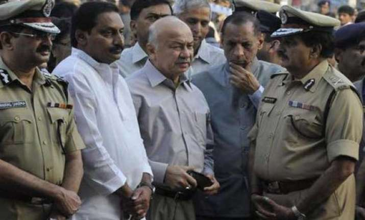 shinde visits blast site toll climbs to 16