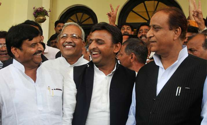 shivpal azam khan may take oath with akhilesh