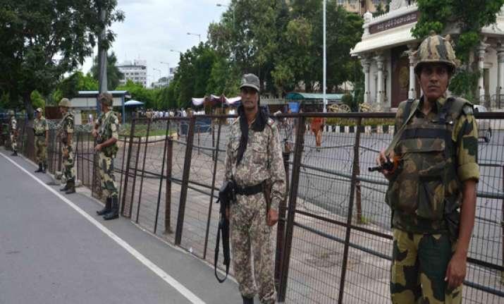 shutdown in seemandhra over telangana hits life