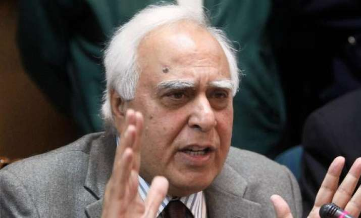 sibal ready to address objections raised by iits