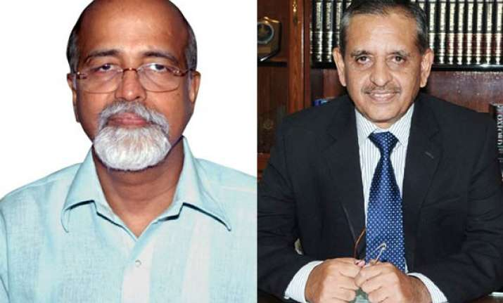 silent for 23 years cbi faces rti chief s fury