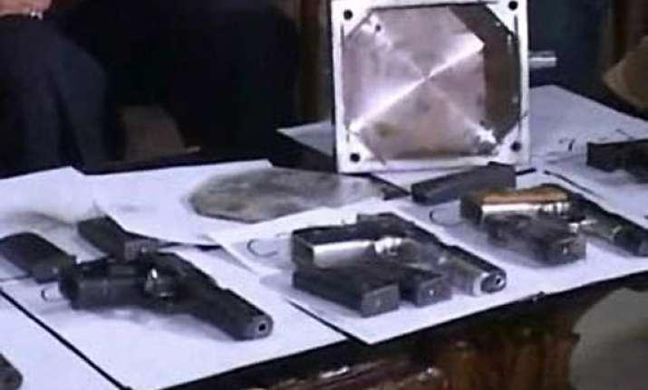 six from muzaffarnagar arrested with 11 pistols near