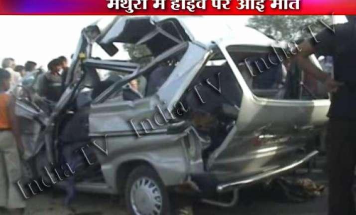 six killed as maruti van rams into truck near mathura