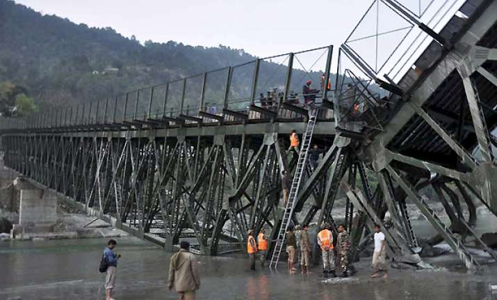 six workers killed 36 injured as bridge collapses in