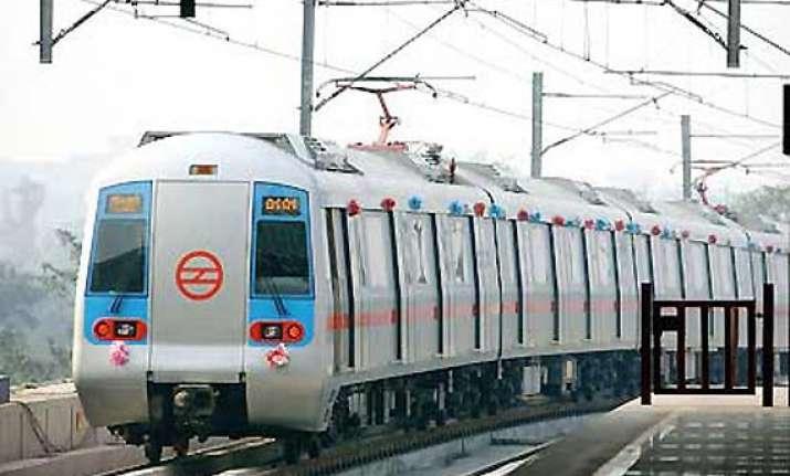 snag hits dwarka noida vaishali metro lines