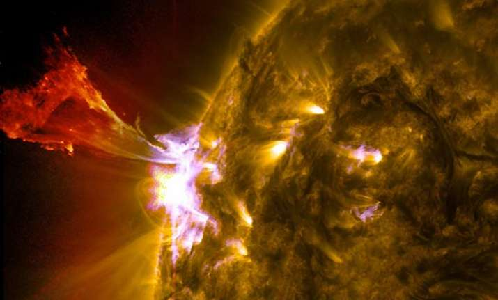 solar flare may affect aviation communications
