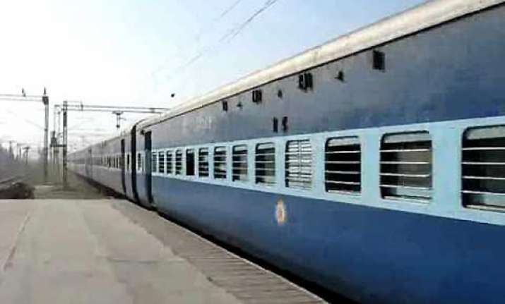 soldiers throw six youth out of moving train