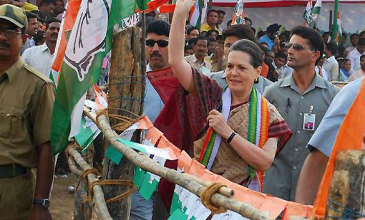 sonia gandhi to begin up campaign from feb 1