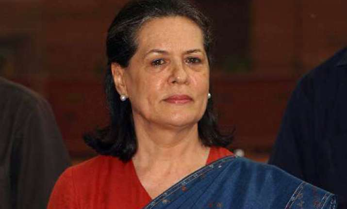 sonia hosts dinner for cong mps