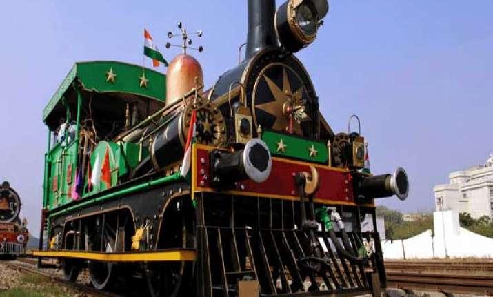 soon glimpse kashmir to kanyakumari from toy train in delhi