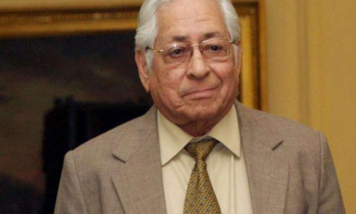 sorabjee backs delhi lg s decision on lokpal bill