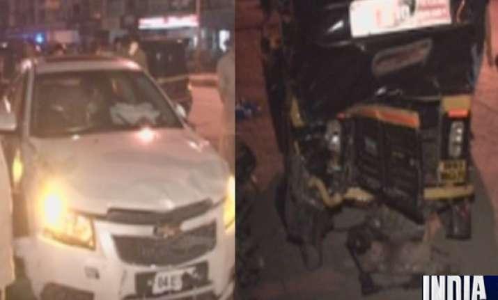 speeding car hits autos in mumbai 4 injured
