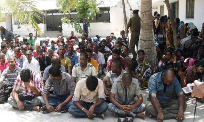 sri lankan tamil refugees on hunger strike demand indian