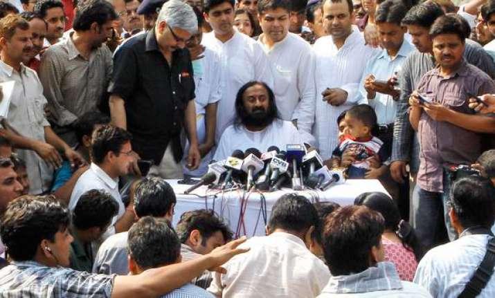 sri sri ravi shankar vows to fight corruption after