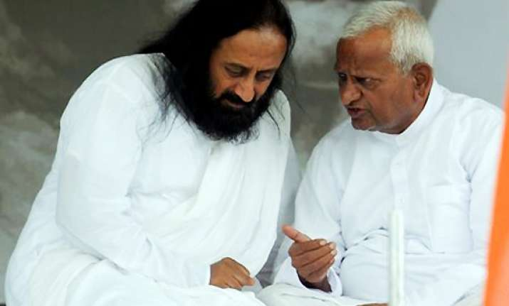 sri sri ravi shankar requests anna to end fast