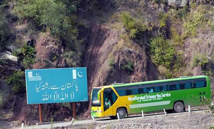 srinagar muzaffarabad bus service resumes