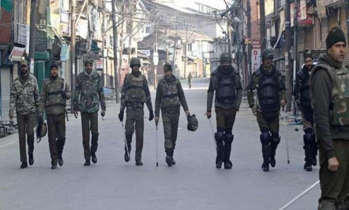 srinagar curfew continues for third day