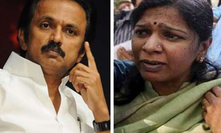 stalin meets kanimozhi in tihar jail
