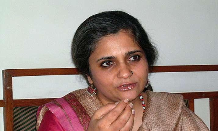 stop probe against teesta says sc to gujarat govt