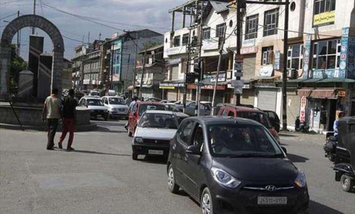 strike by hurriyat evokes mix response in kashmir valley