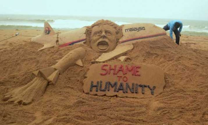sudarsan pattnaik pays tribute to mh17 victims