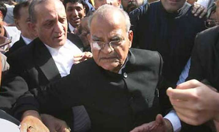 sukh ram to move hc against conviction 5 yr ri in graft case