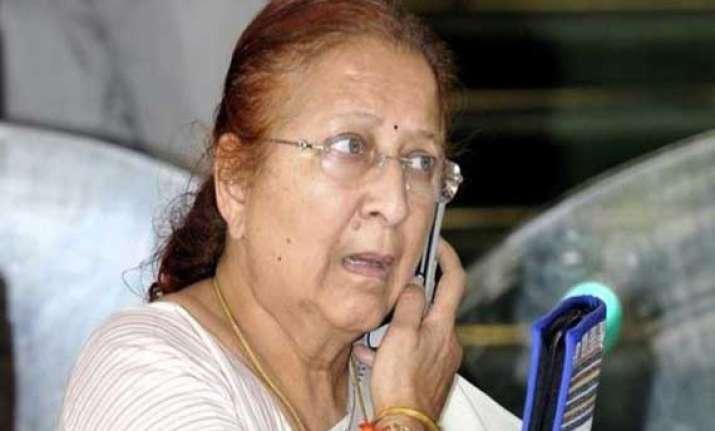 sumitra mahajan gets rousing welcome in her hometown indore