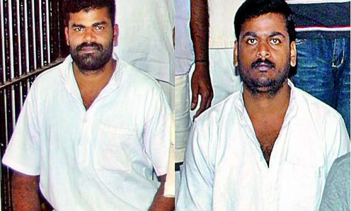 sc stays execution of two rape cum murder convicts