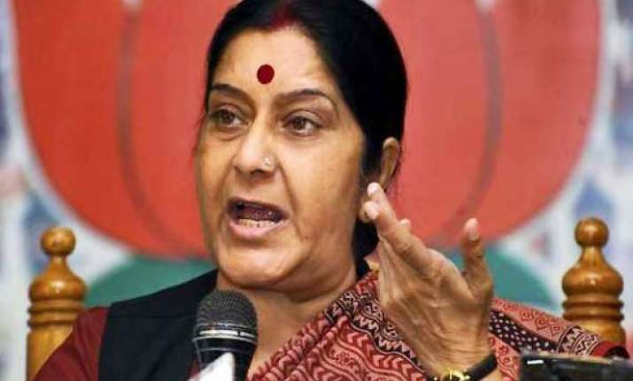 sushma swaraj demands all party meet over fdi in retail