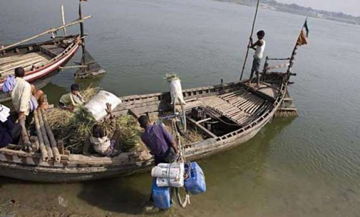 20 tn fishermen arrested by lankan navy