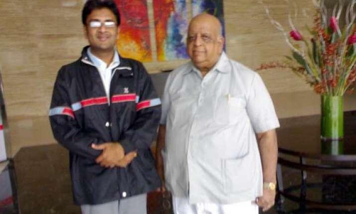 t n seshan says my lokpal draft is similar to what rahul