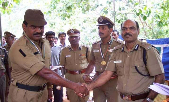 tamil nadu cops get rewards for catching terrorists