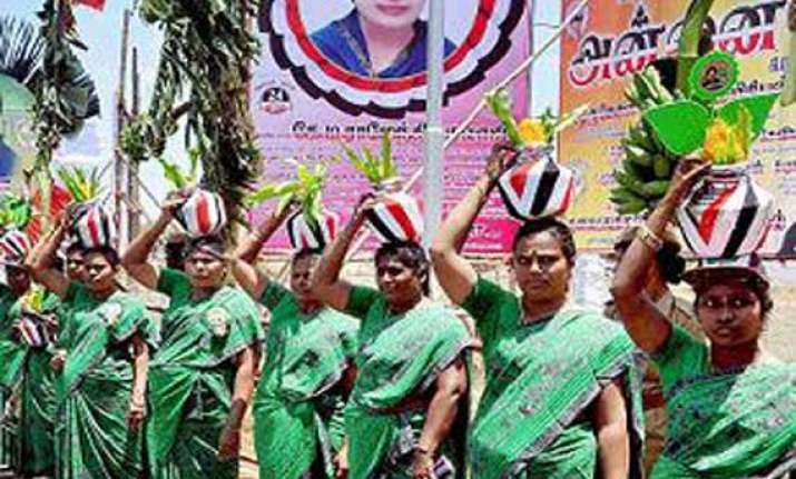 tamil nadu far ahead of gujarat says aiadmk
